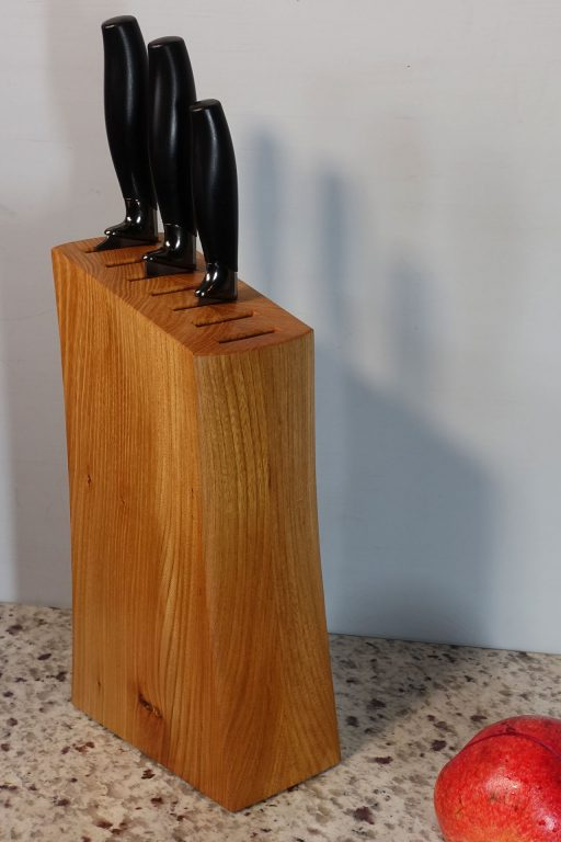 Knife block in Elm